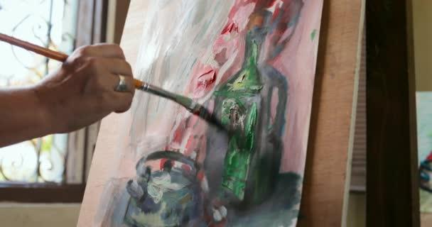 Kresba a malba na plátně na umělecké škole pro seniory