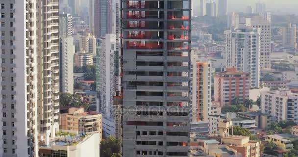 Staveniště s mrakodrap v nové budově výtah