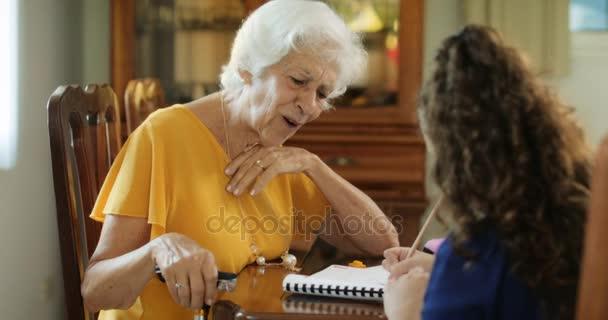 Výuka babička s vnouče studium pro školní vzdělávání