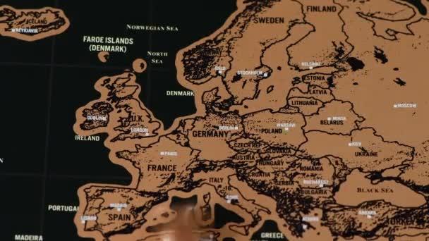stará dolar mince na černé scratch cestovní mapa Evropy, EU