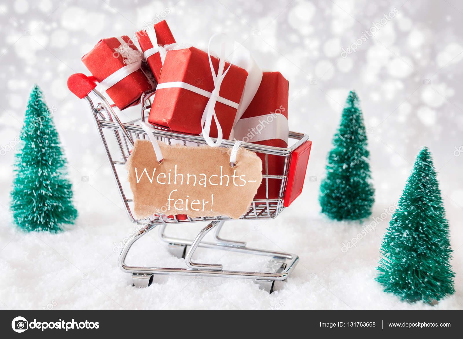 Trolly mit Geschenken, Schnee, Weihnachtsfeier Mittel ...