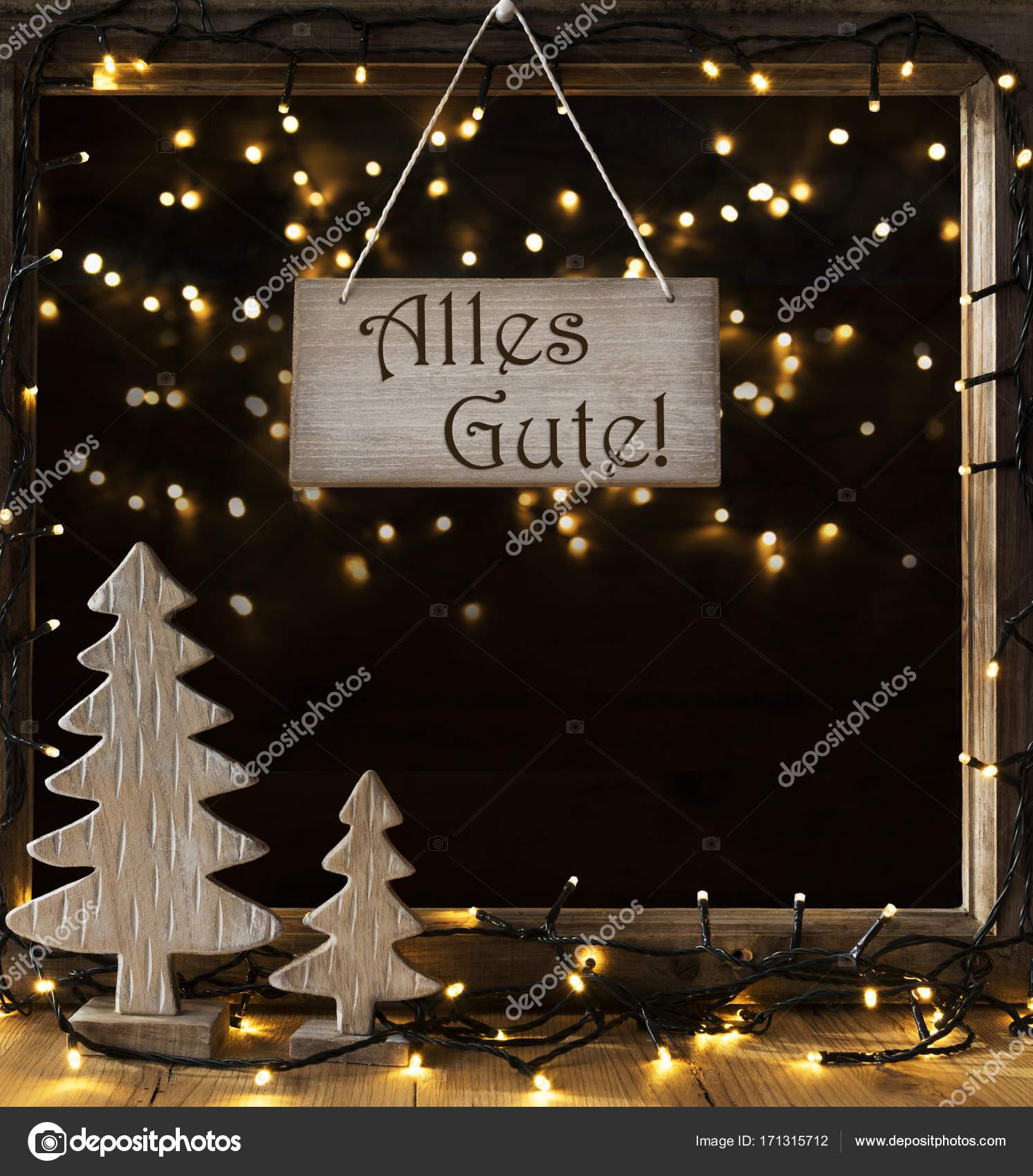 Weihnachtsbaum Der Guten Wünsche.Fenster Lichter In Der Nacht Wünsche Alles Gute Mittel Stockfoto