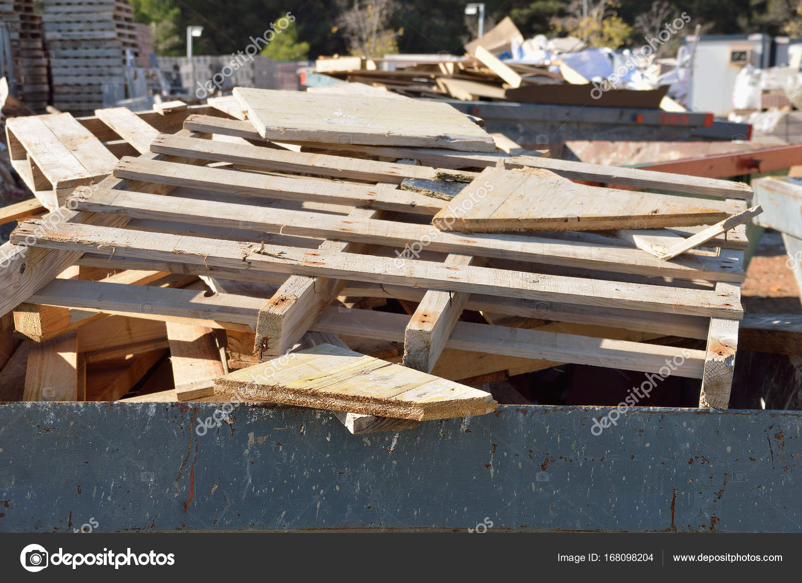 Reciclaje palets madera el palet para reciclar with reciclaje palets madera best reciclado de - Reciclaje de palets de madera ...