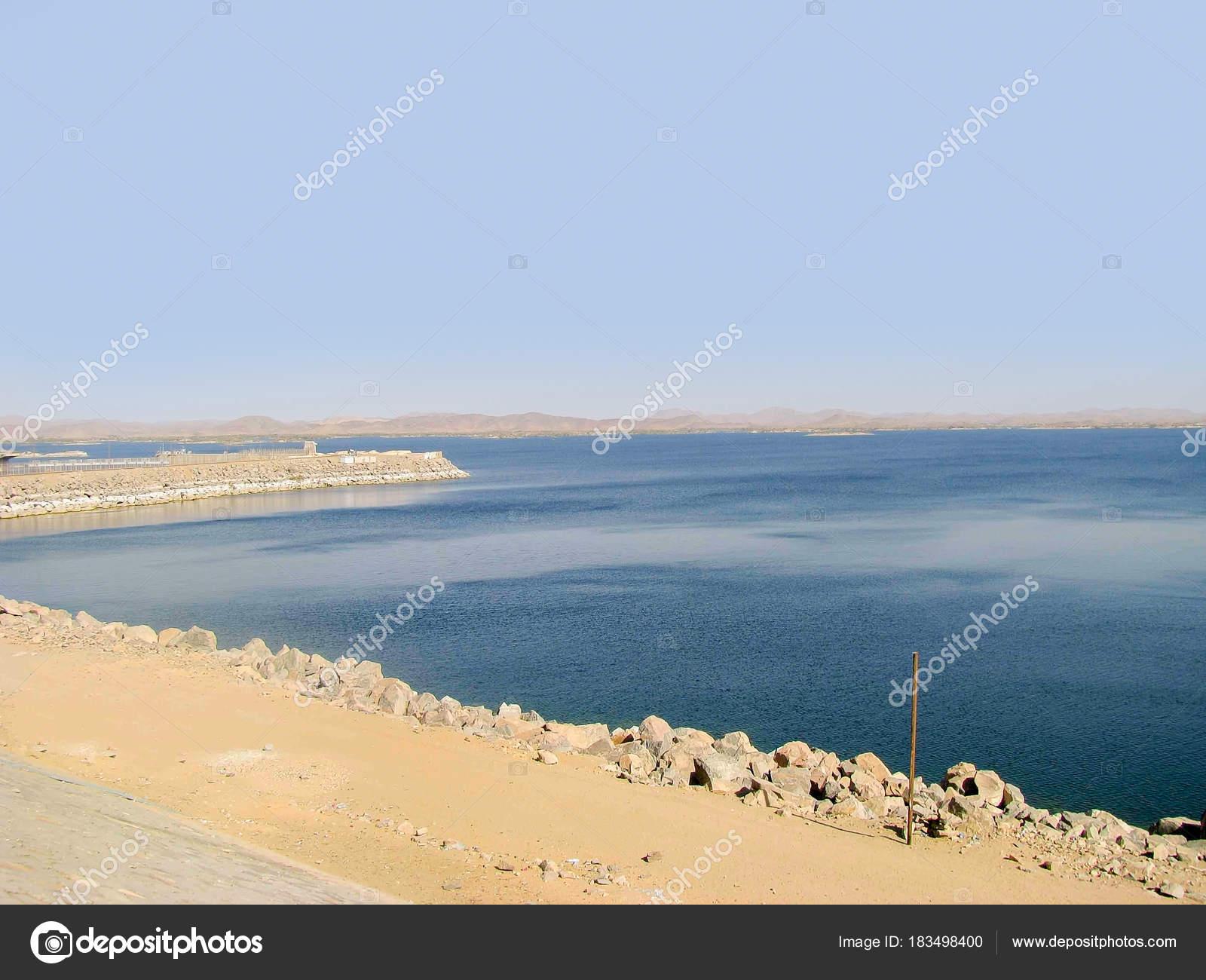 ナセル湖、人工貯水 — ストック...