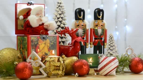 Vánoční ozdoby s vintage Santa music box