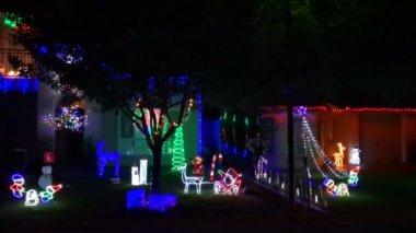 Moderne kerstboom formulier straat decoraties en auto s