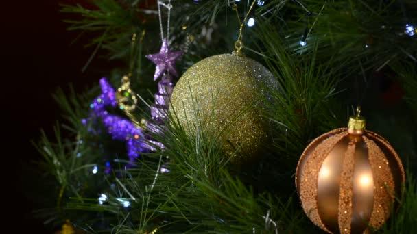 Kerstboom met Parel kleur decoraties met fonkelende lampjes ...