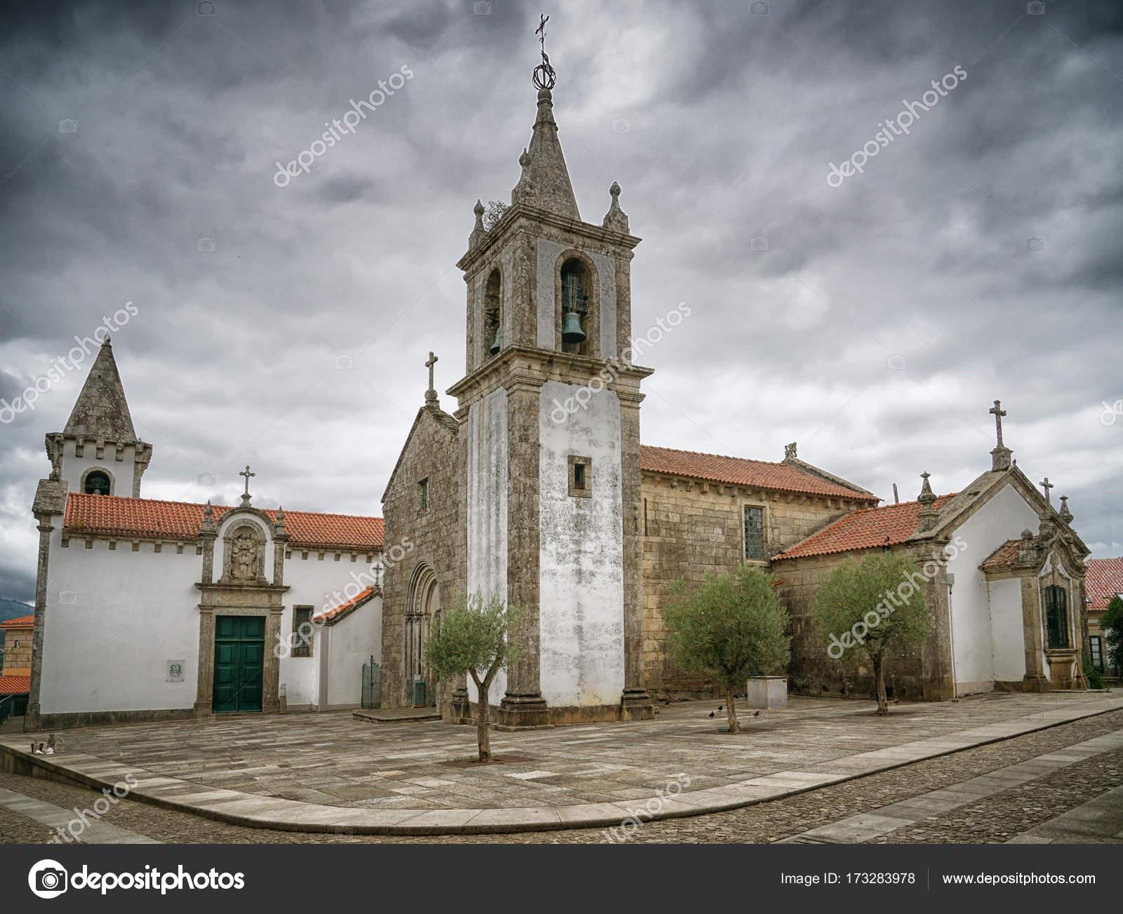 Valenca portugal europe foto de stock alfotokunst for Muebles portugal valenca