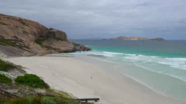 West Beach v blízkosti Esperance zatažený den, západní Austrálie