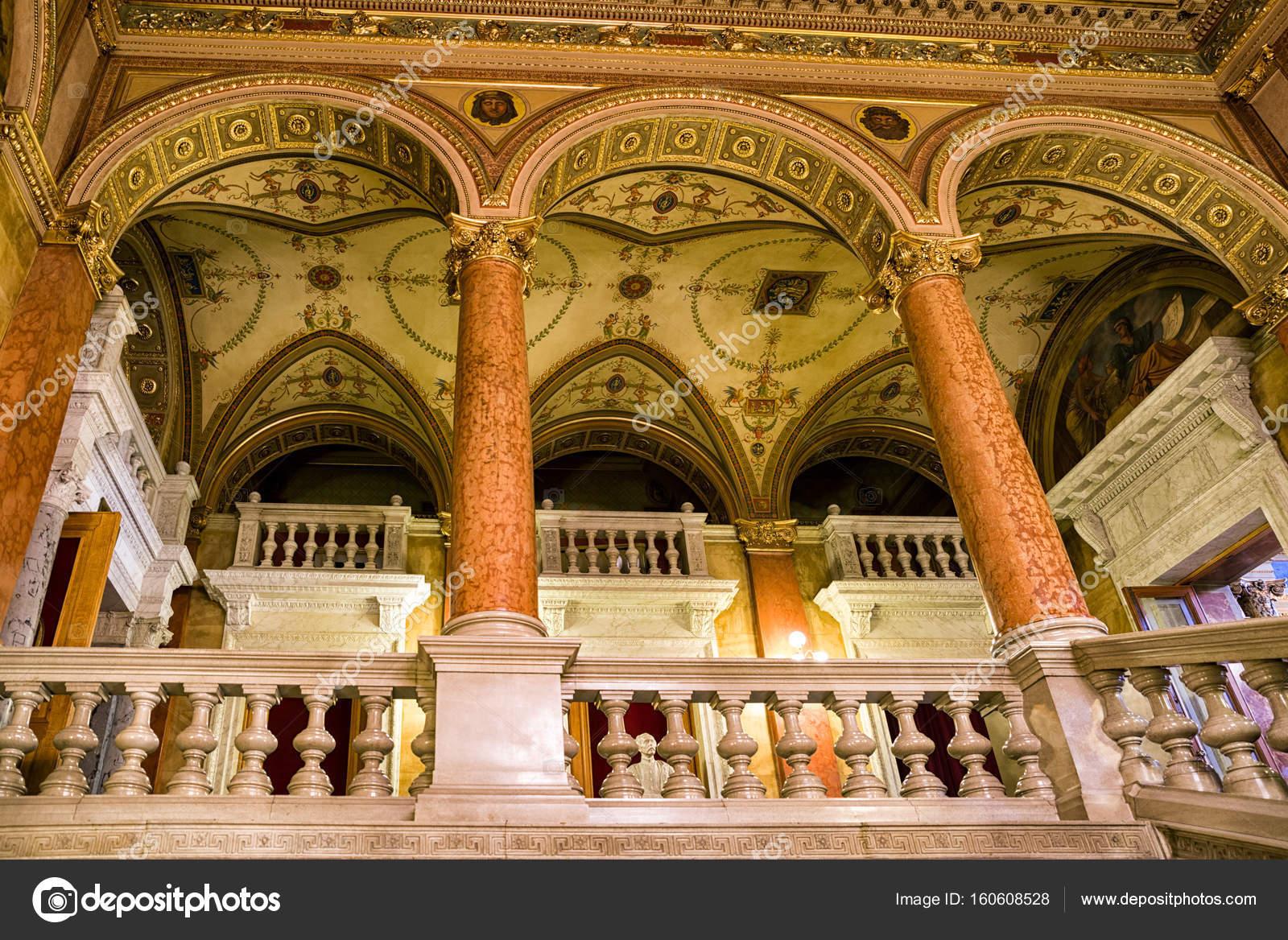 ブダペストのハンガリー国立歌劇...