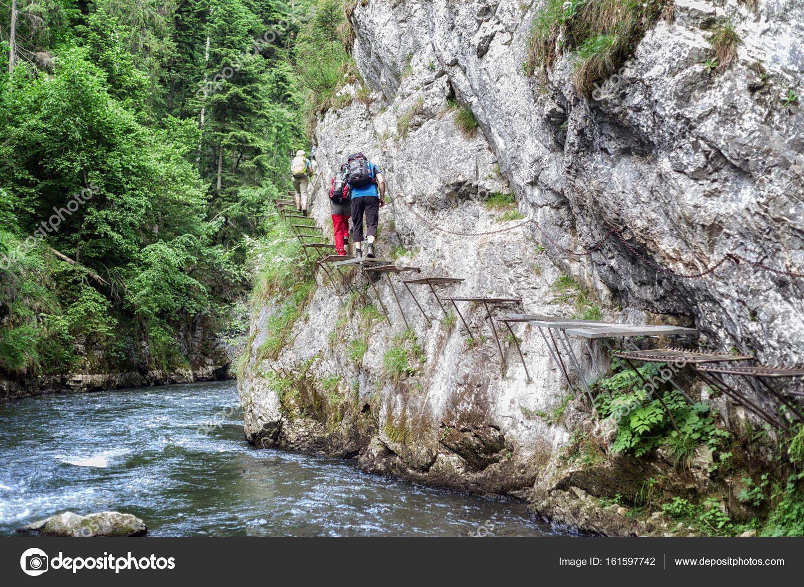 Klettersteig Quebec : Menschen im klettersteig u stockfoto jarino