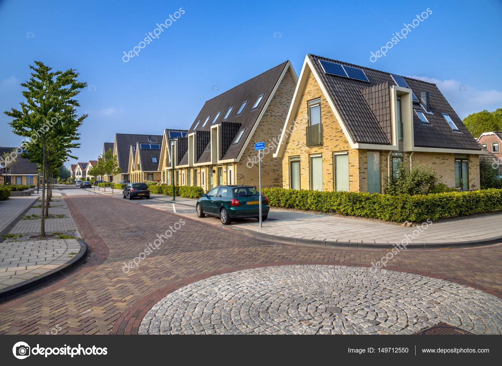 Malerisch Moderne Einfamilienhäuser Beste Wahl Einfamilienhäuser In Wohnstraße — Stockfoto