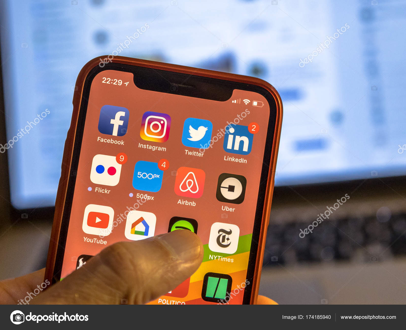 Social media app icons on new iphone – Stock Editorial Photo