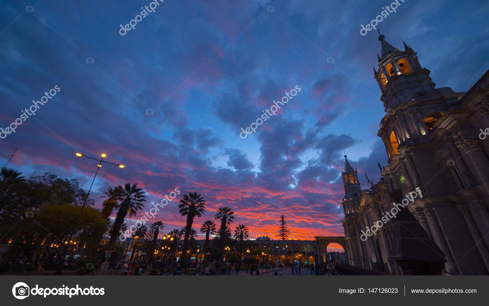 Kathedrale von Arequipa, Peru, mit herrlichem Himmel in der ...