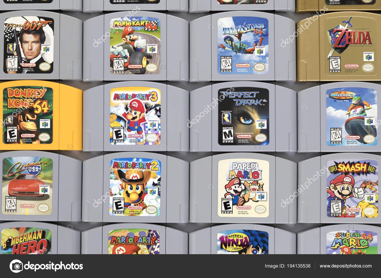 Cartuchos De Juego Clasico De Nintendo 64 Foto Editorial De Stock