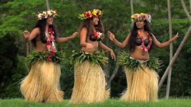Polynesian girls dancing hula