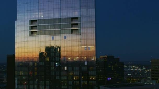 Vzdušné město osvětlené soumraku pohled jednoho Post Office Square mrakodrap budov v centru města Boston finanční úřad obchodní čtvrti Charles river Massachusetts Americe