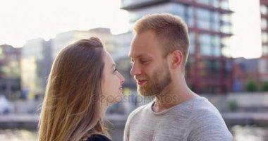 Романтические поцелуй скачать видео