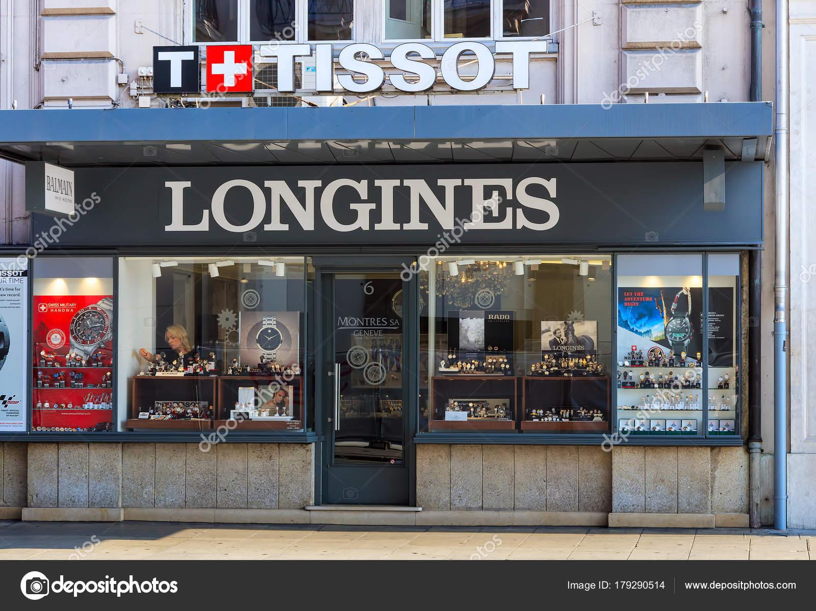 c33ad91ab81d Магазин часов Montres Sa в Женеве, Швейцария – Стоковое редакционное ...