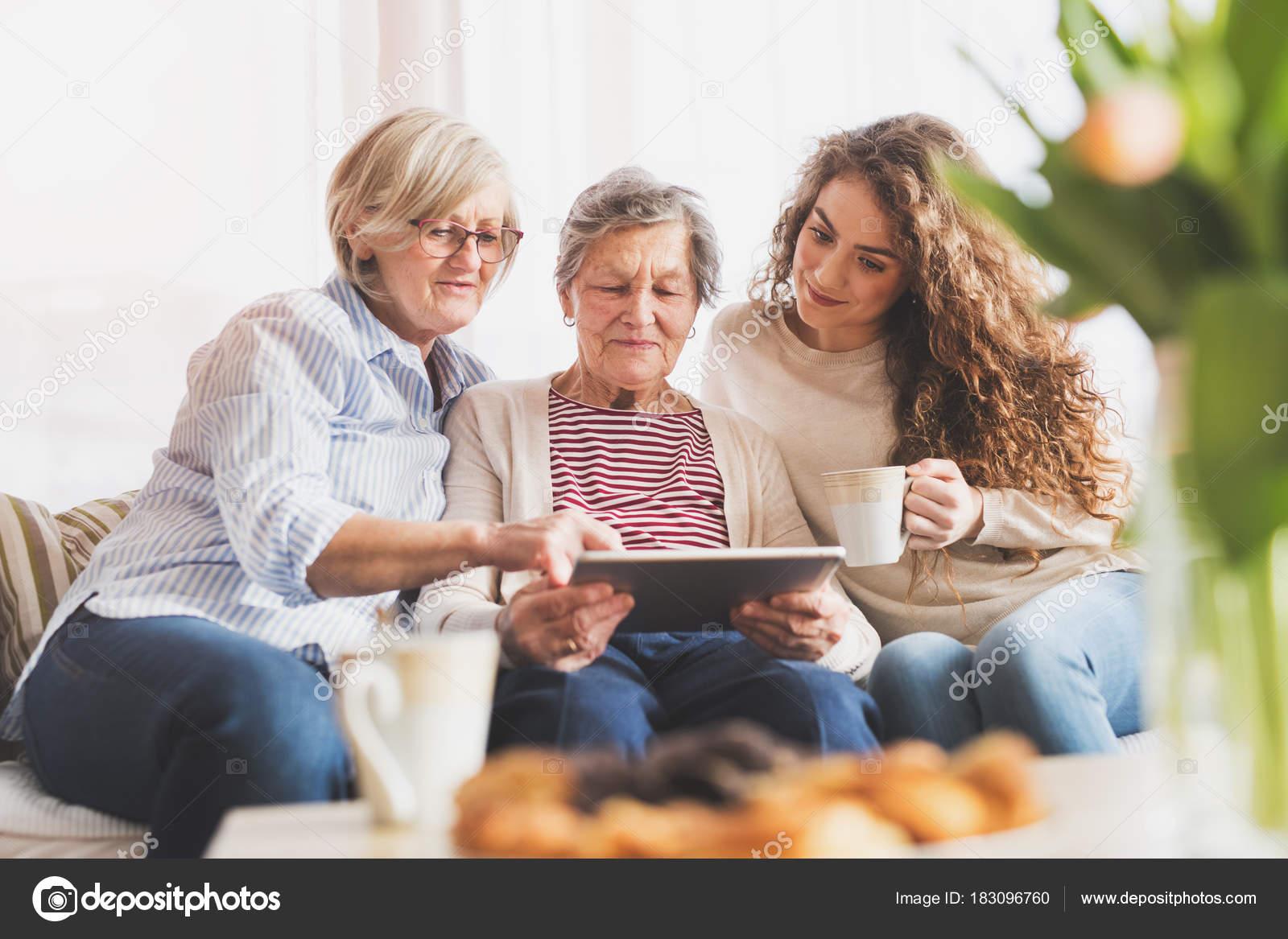 Teens con abuelas — photo 7