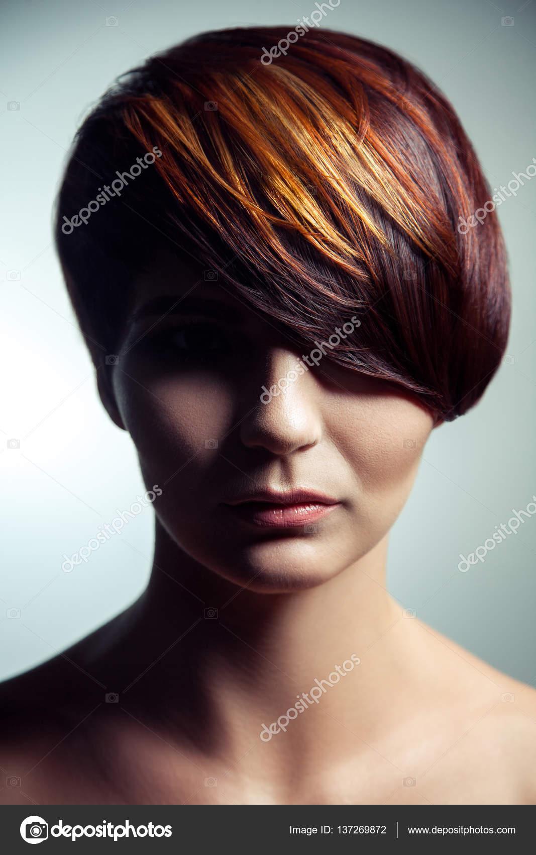 Mode Porträt Eines Schönen Mädchens Mit Farbigen Gefärbte