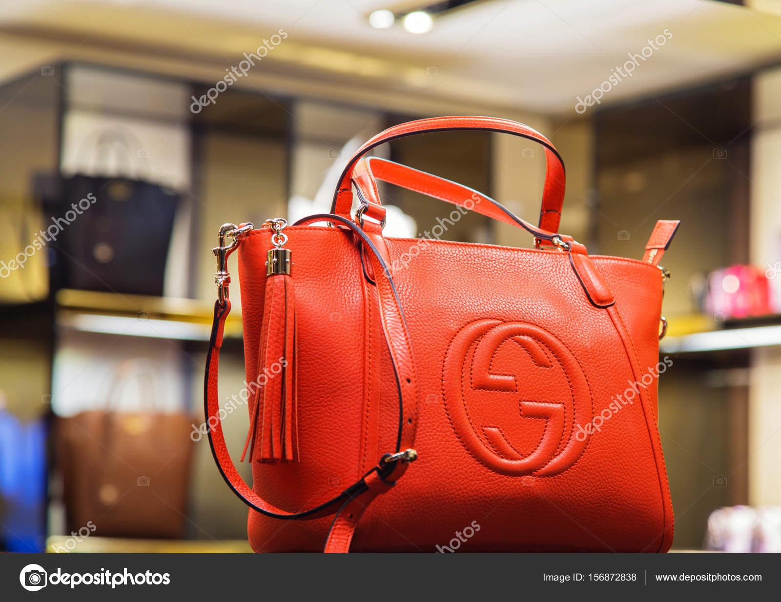 Italie, Venise - 20 mars 2015   Sacs à main dans un Gucci magasin dans le  vieux– Photographies éditoriales en vente 6ada3c2e21b