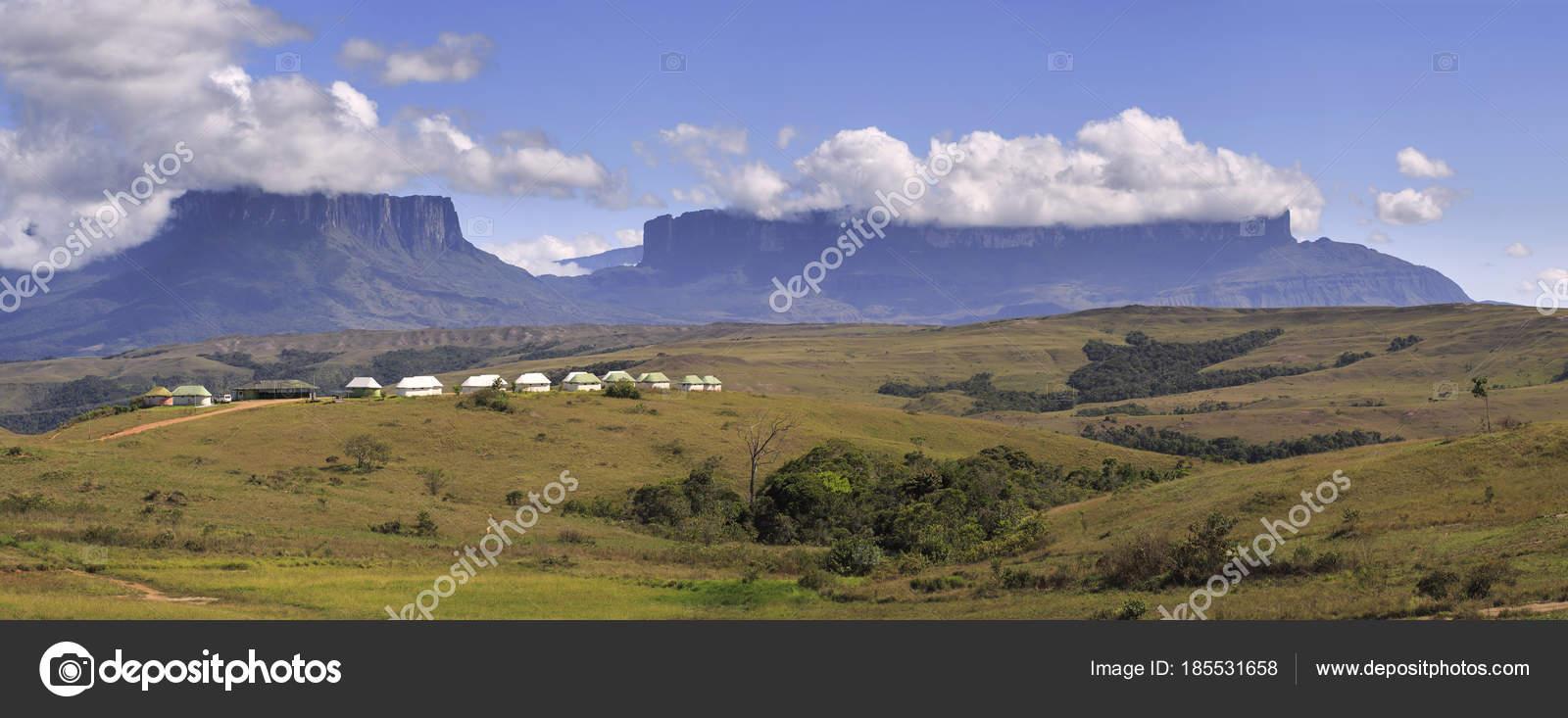 Die Berge Roraima Und Kukenan Venezuela Stockfoto C Sunsinger