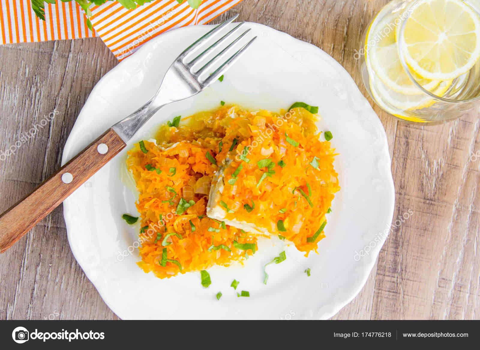 Filet de poisson blanc cuit au four avec les oignons les for Poisson a acheter