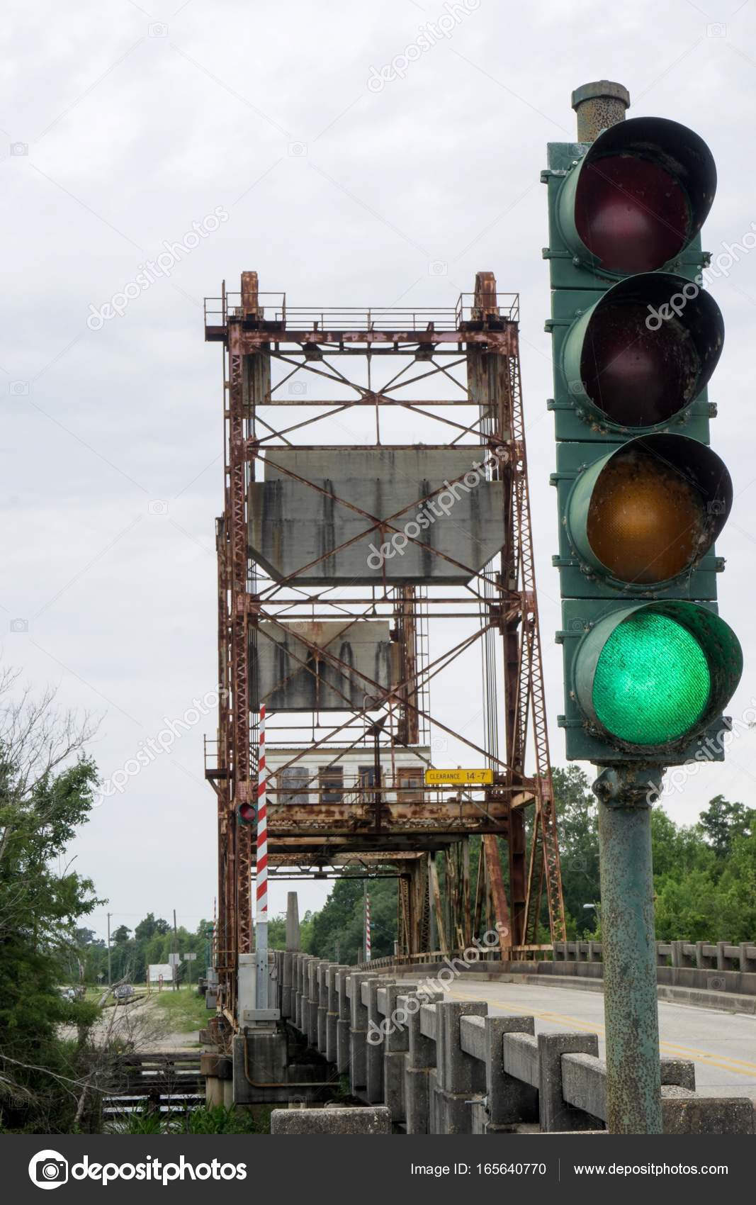 Mississippi draw bridge traffic light stock photo jimkimmons mississippi draw bridge traffic light stock photo arubaitofo Choice Image
