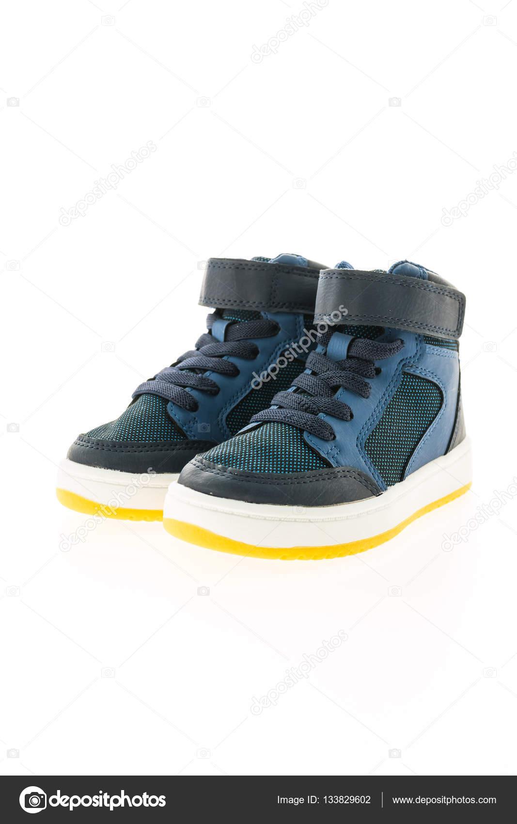 b50ff8bea02 Μόδα παπούτσια και αθλητικά — Φωτογραφία Αρχείου © mrsiraphol #133829602