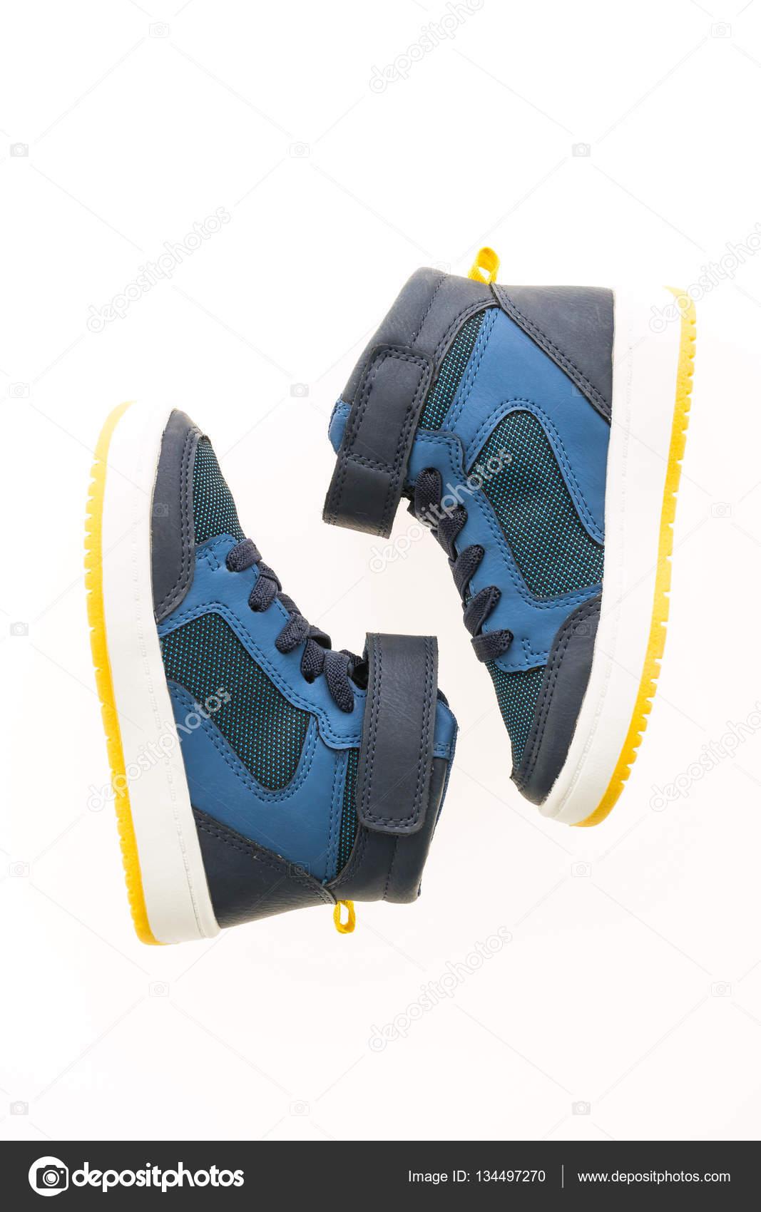 6293f0e27dd Μόδα παπούτσια και αθλητικά — Φωτογραφία Αρχείου © mrsiraphol #134497270