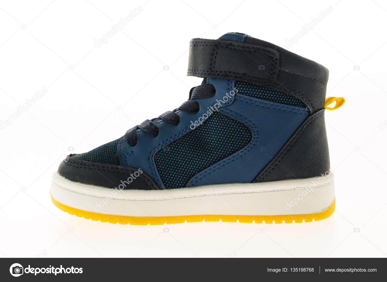 fe62d6dbcb4 Μόδα παπούτσια και αθλητικά — Φωτογραφία Αρχείου © mrsiraphol #135198768