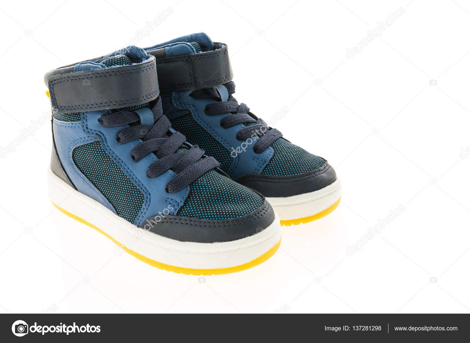 66d101f15f8 Μόδα παπούτσια και αθλητικά — Φωτογραφία Αρχείου © mrsiraphol #137281298