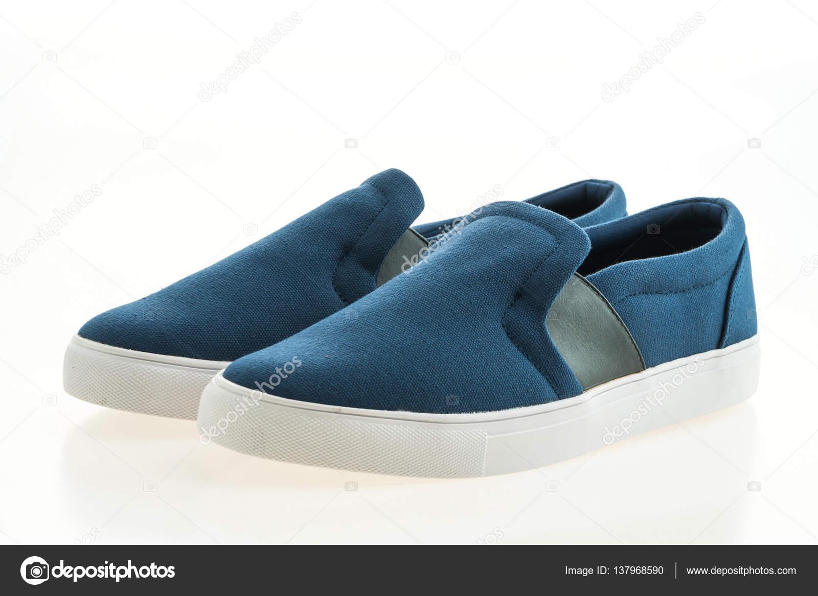 2d4cc4737a4 μόδα παπούτσια άνδρες — Φωτογραφία Αρχείου © mrsiraphol #137968590