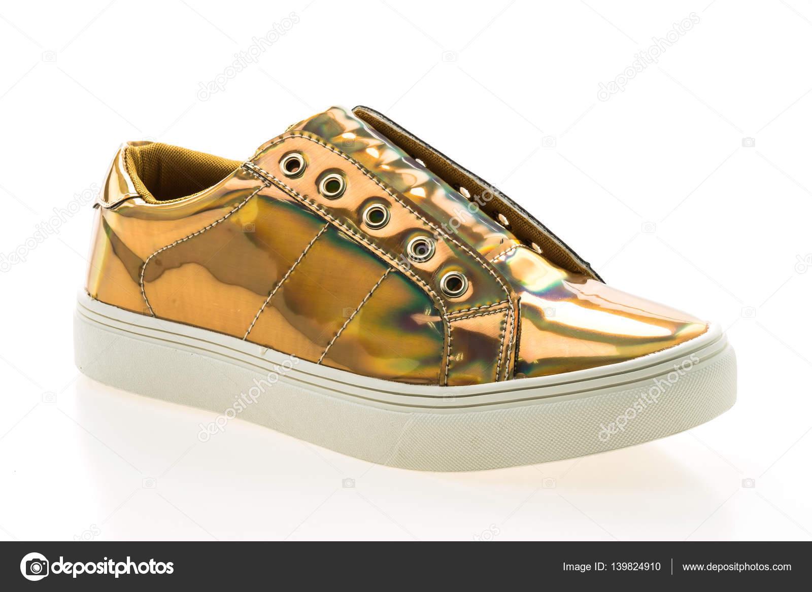 c638fea4624 Παπούτσια μόδας και ύπουλος — Φωτογραφία Αρχείου © mrsiraphol #139824910