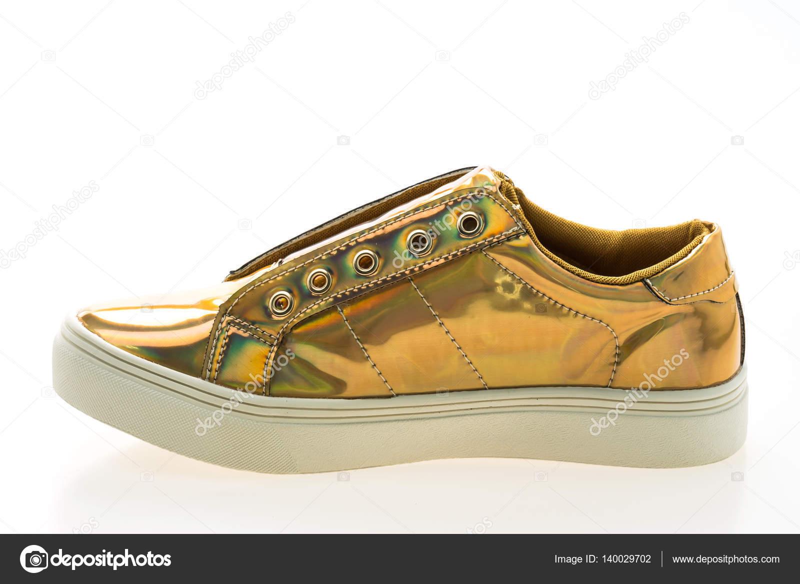 7286fe1da4a Παπούτσια μόδας και ύπουλος — Φωτογραφία Αρχείου © mrsiraphol #140029702