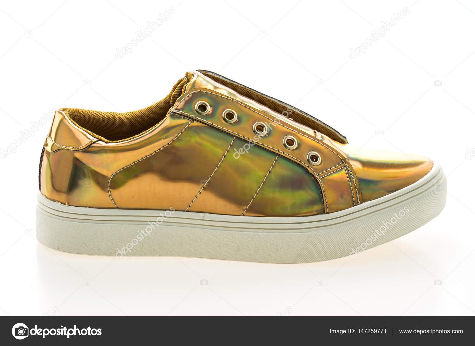 58bf9020092 Παπούτσια μόδας και ύπουλος — Φωτογραφία Αρχείου © mrsiraphol #147259771
