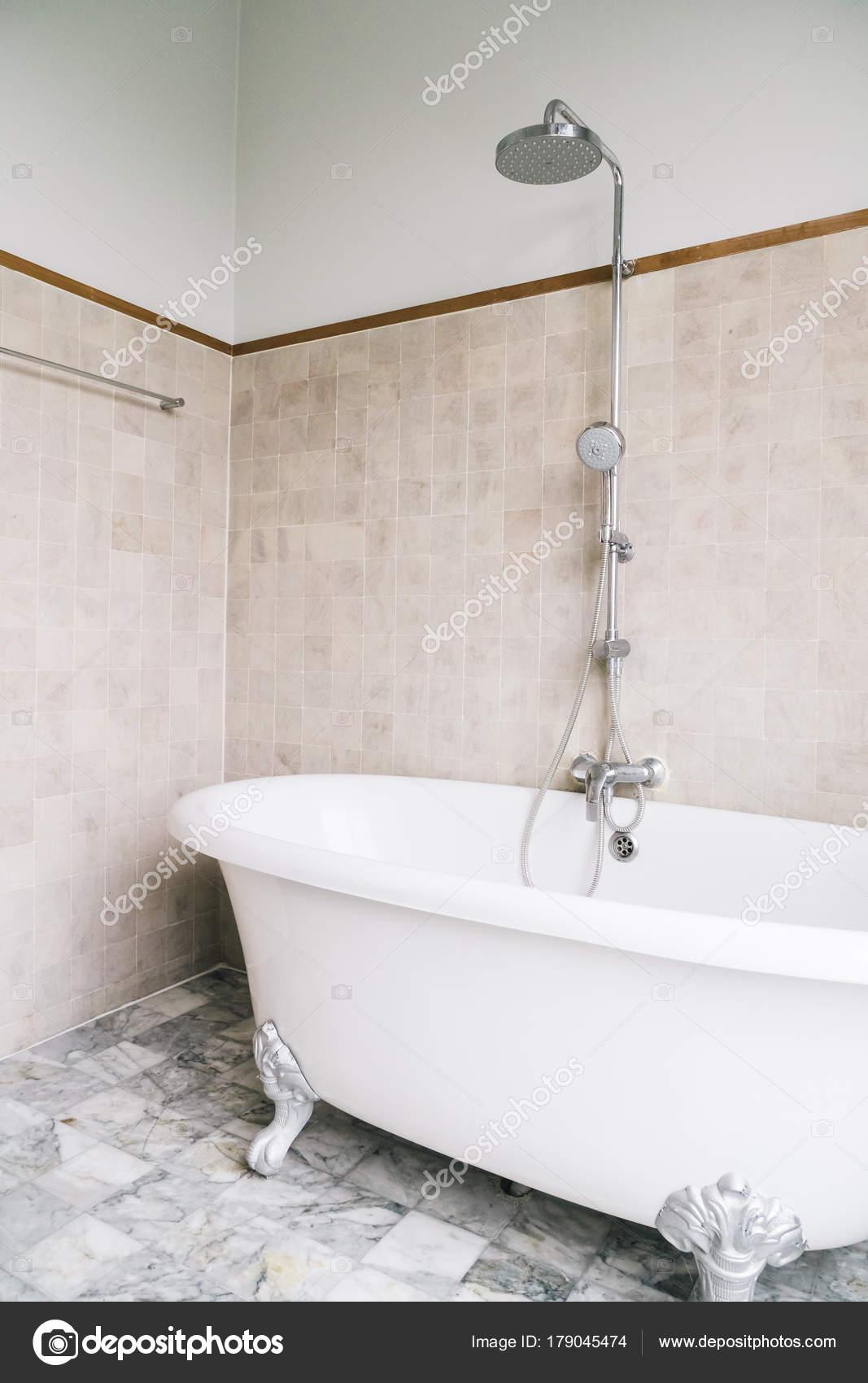 Bad Badkamer Interieur Decoratie — Stockfoto © mrsiraphol #179045474