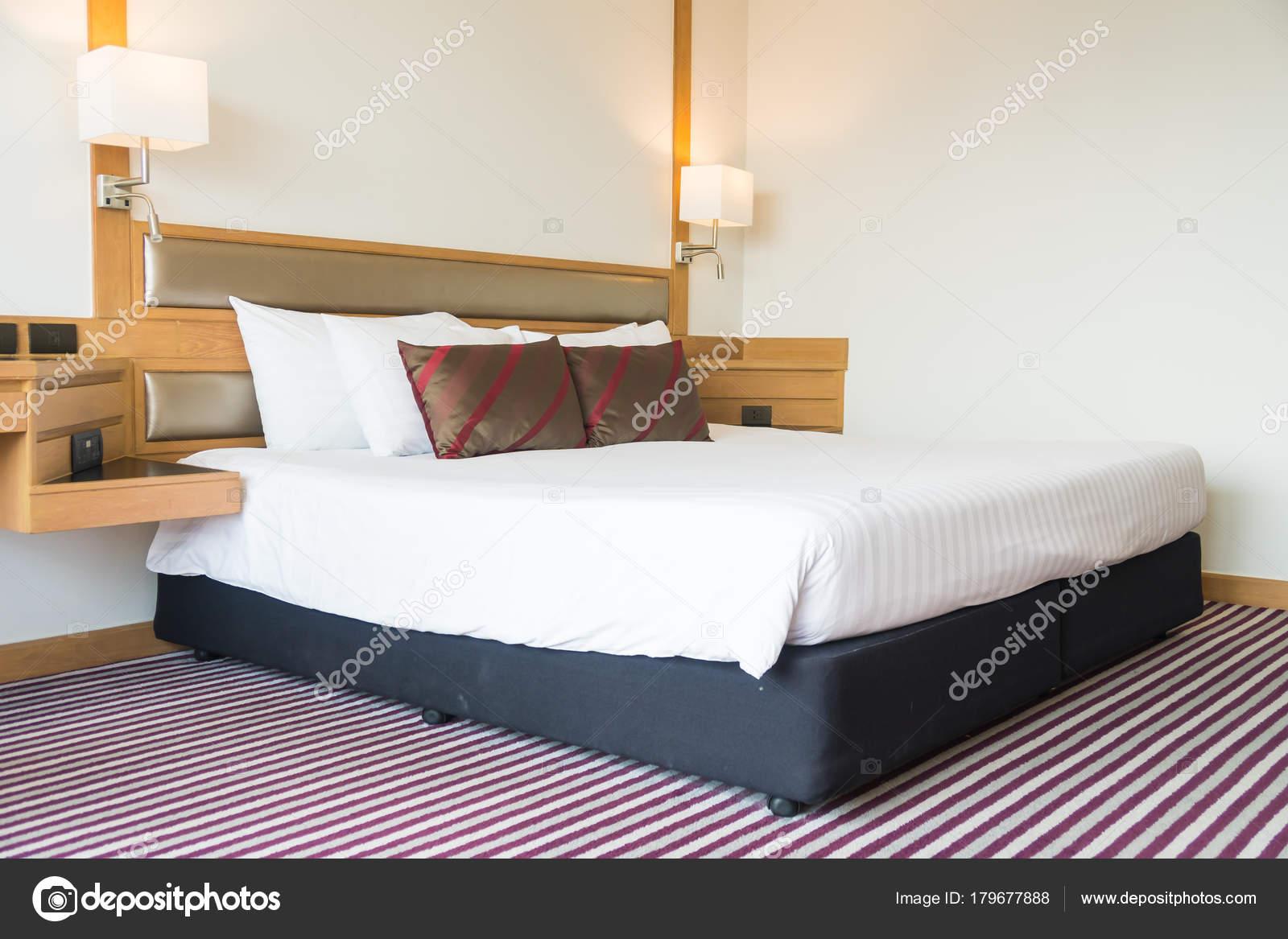 Komfortables Kissen Bett Dekoration Schlafzimmer Innenraum ...