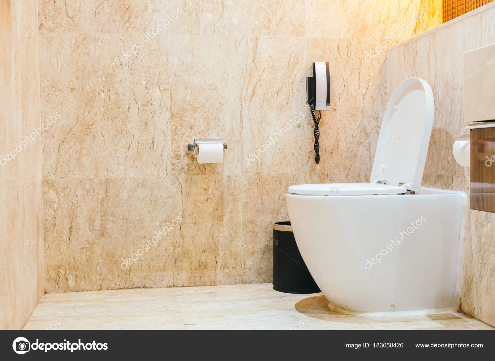 Witte kom stoel decoratie kamer interieur u stockfoto mrsiraphol