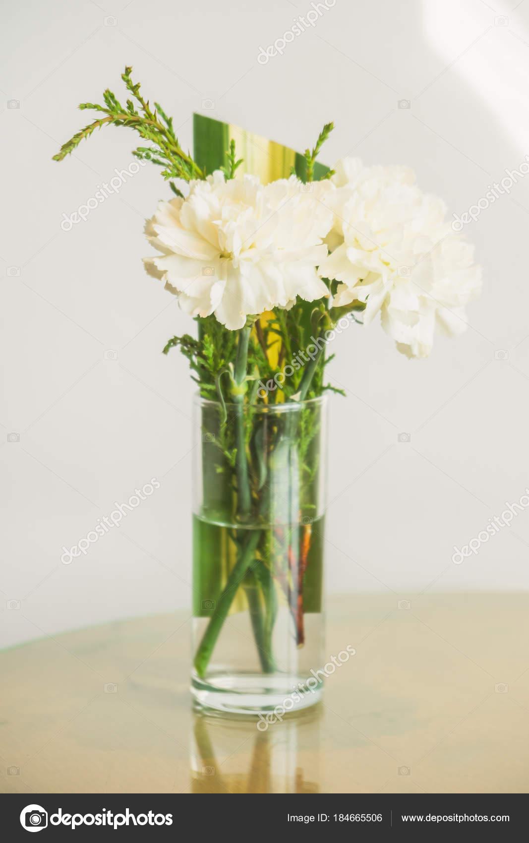 Vase Blume Stockfoto Mrsiraphol 184665506