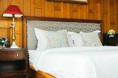 Comfort polštář na posteli