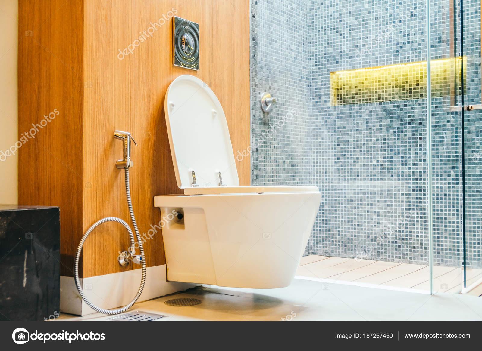 Witte wc bril voor kom u2014 stockfoto © mrsiraphol #187267460