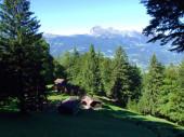 Chov dobytka a tradiční architektura v oblasti Bundner Herrschaft (Buendner Herrschaft) a údolí Rýna, Mainfeld - Kanton Grisons (Graubunden nebo Graubuenden), Švýcarsko