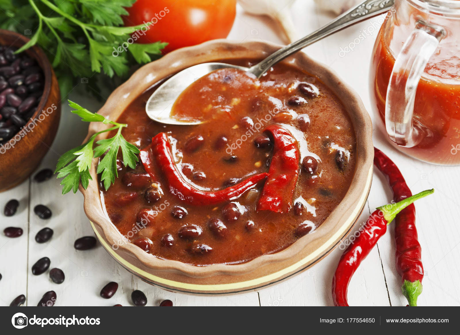 Zupa Z Czerwonej Fasoli I Papryka Chili Zdjecie Stockowe