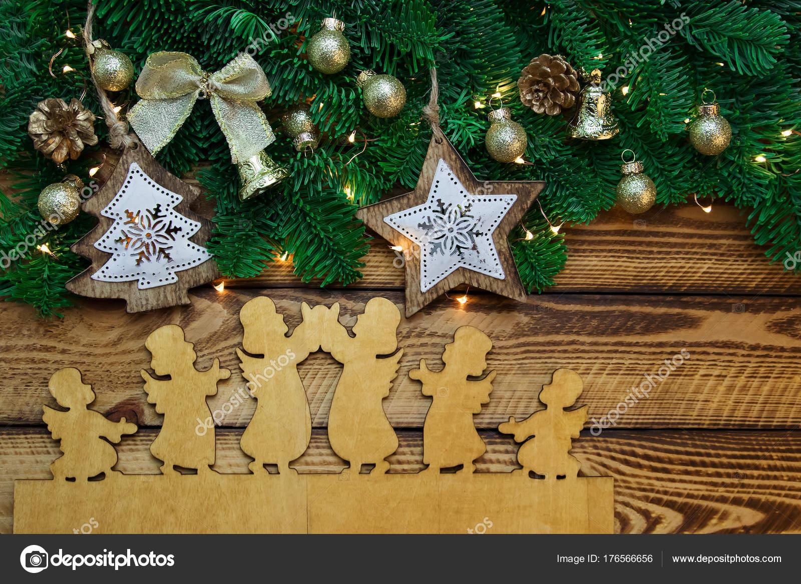 Décoration Noël Vintage Avec Branche Sapin Sur Fond Bois Foncé
