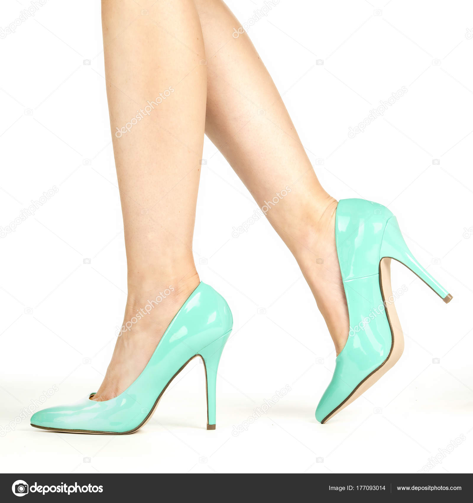 new style 25b22 15948 depositphotos 177093014-stock-photo-female-legs-in-turquoise-high.jpg