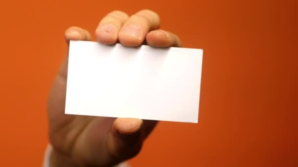 Kézben tartani üres névjegykártyát. Üzleti koncepció. Hálózatépítés. Bérmunka