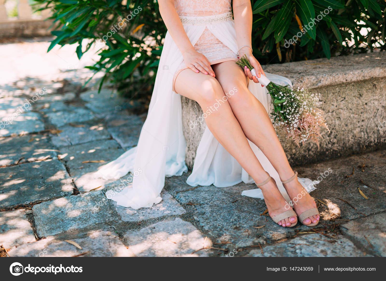 Фото невест нога на ногу, Снова невесты. Ножки (42 фото) » Триникси 23 фотография