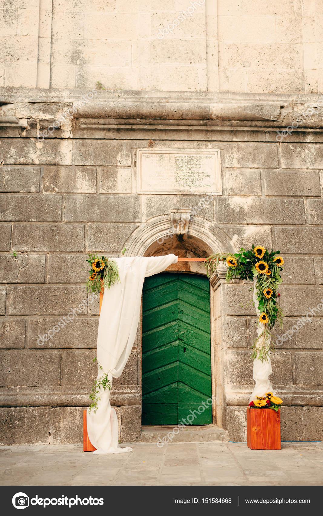 Girasoli Chiesa Per Matrimonio : Matrimonio arco di girasoli la cerimonia presso la st nikola